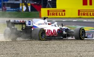 Steiner defiende a Mazepin: «Debe aprender que el Haas no es un Mercedes»