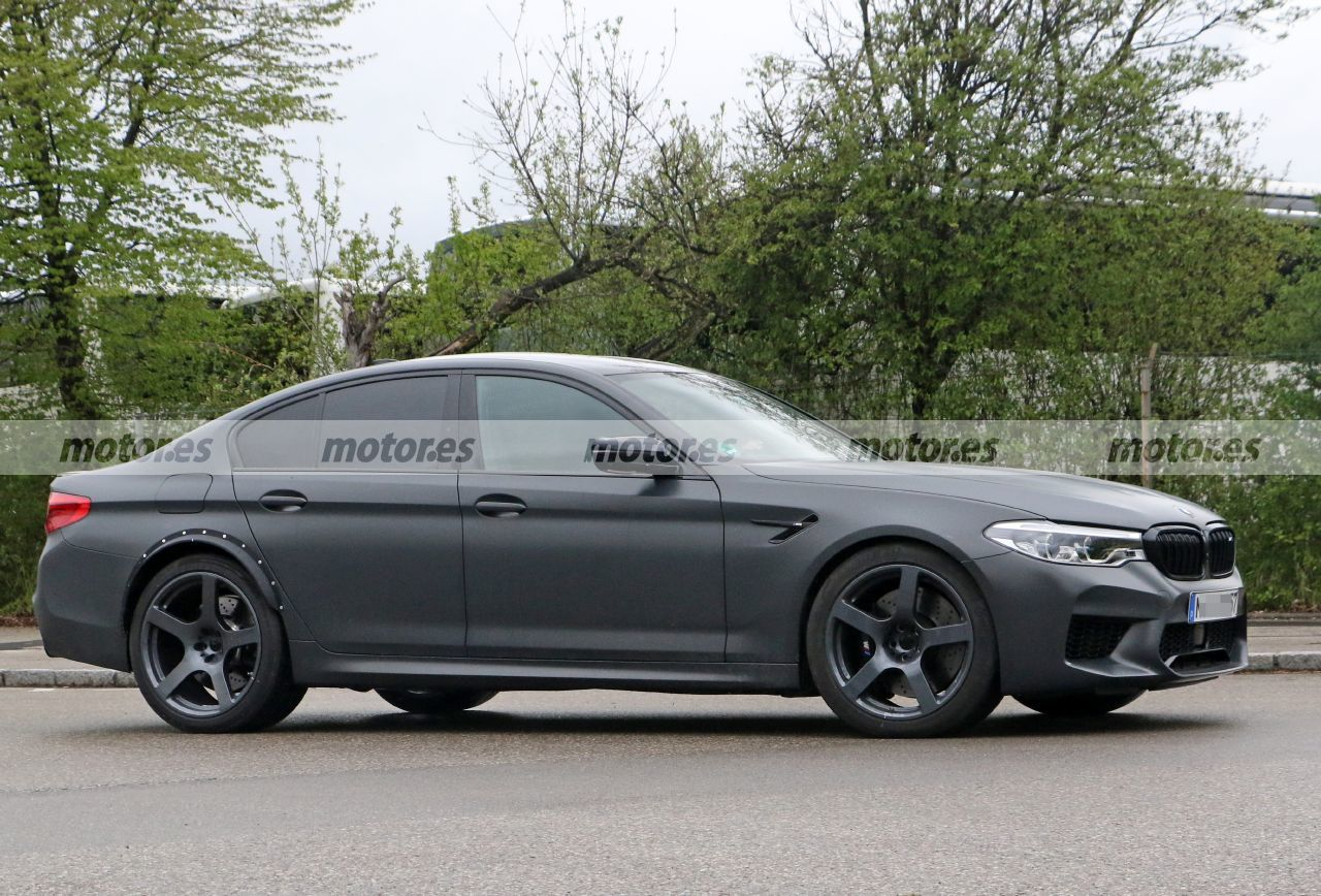 Foto espía mula BMW M5 Competition