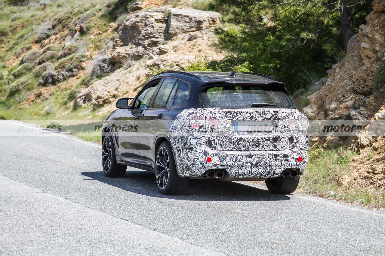 BMW X3 M 2022 - foto espía posterior