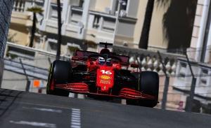 Campanazo de Ferrari en los segundos libres: Leclerc 1º y Sainz 2º