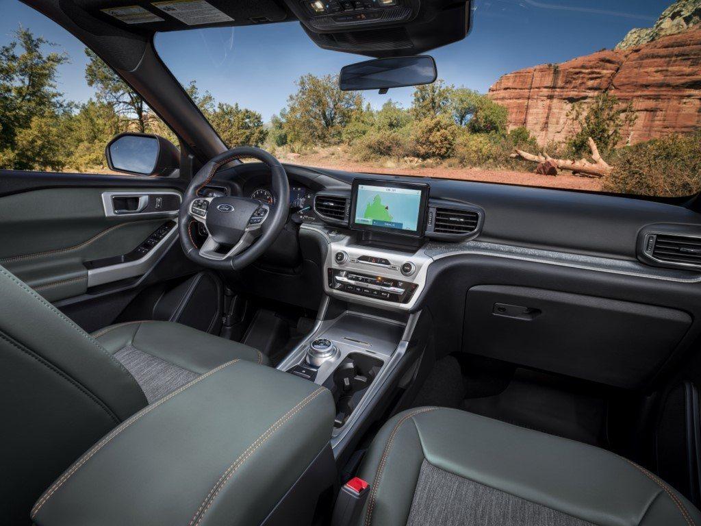 Ford Explorer Timberline - interior