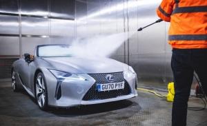 El Lexus LC Cabrio se congela a -18º C para una prueba de calidad [vídeo]