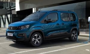 El Peugeot e-Rifter llega a España: la furgoneta eléctrica de 7 plazas ya tiene precios