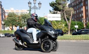 Prueba Peugeot Metropolis GT y SW, deportividad y practicidad sobre tres ruedas