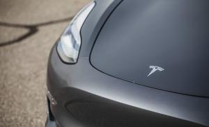 Tesla pierde calificaciones de seguridad en Model 3/Y por suprimir el radar frontal en EEUU