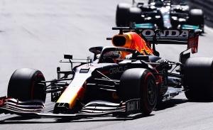 Verstappen y Sainz se licencian a lo grande en Mónaco