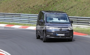 Últimas fotos espía del Volkswagen Multivan 2022 en las pruebas de Nürburgring