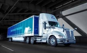 Amazon adquiere 1.000 sistemas de conducción autónoma para camiones de gran tamaño