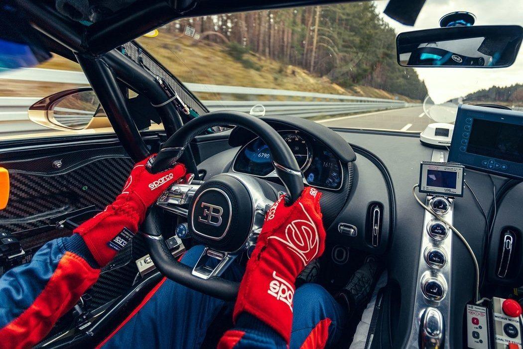 Foto prototipo Bugatti Chiron Super Sport - interior