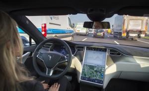 Un nuevo estudio vuelve a confirmar que los usuarios no se fian de los coches autónomos