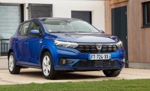 Francia -  Mayo 2021: El nuevo Sandero adelanta al Peugeot 208