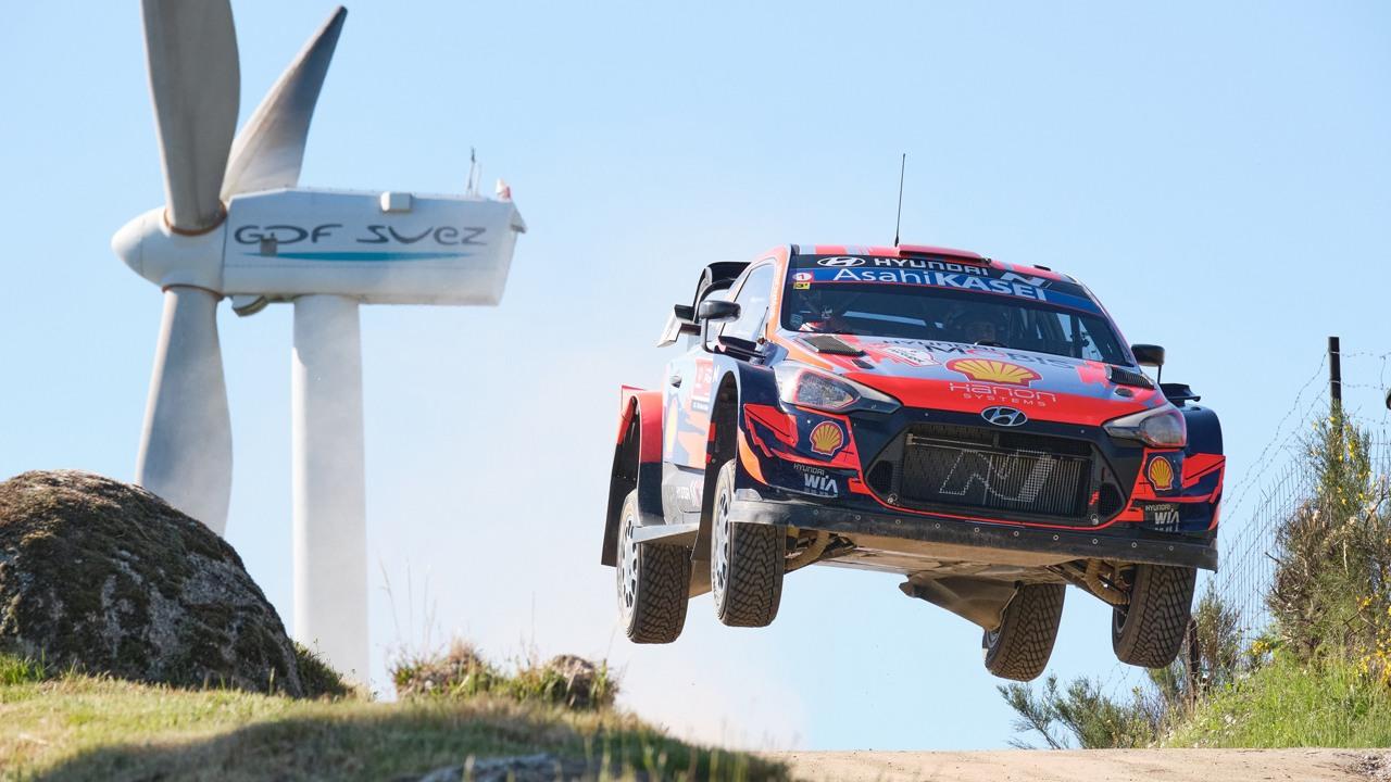 Hyundai y Dani Sordo se reencuentran con su adorada Cerdeña