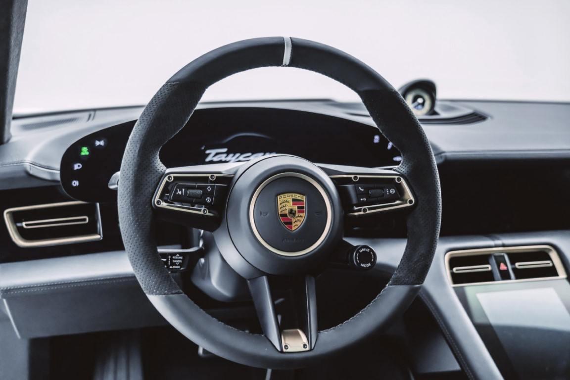 Foto Mansory Porsche Taycan - interior