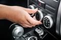 Por qué huele mal el aire acondicionado del coche y cómo eliminarlo
