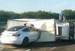 La NHTSA investiga 30 accidentes de Tesla y su relación con Autopilot