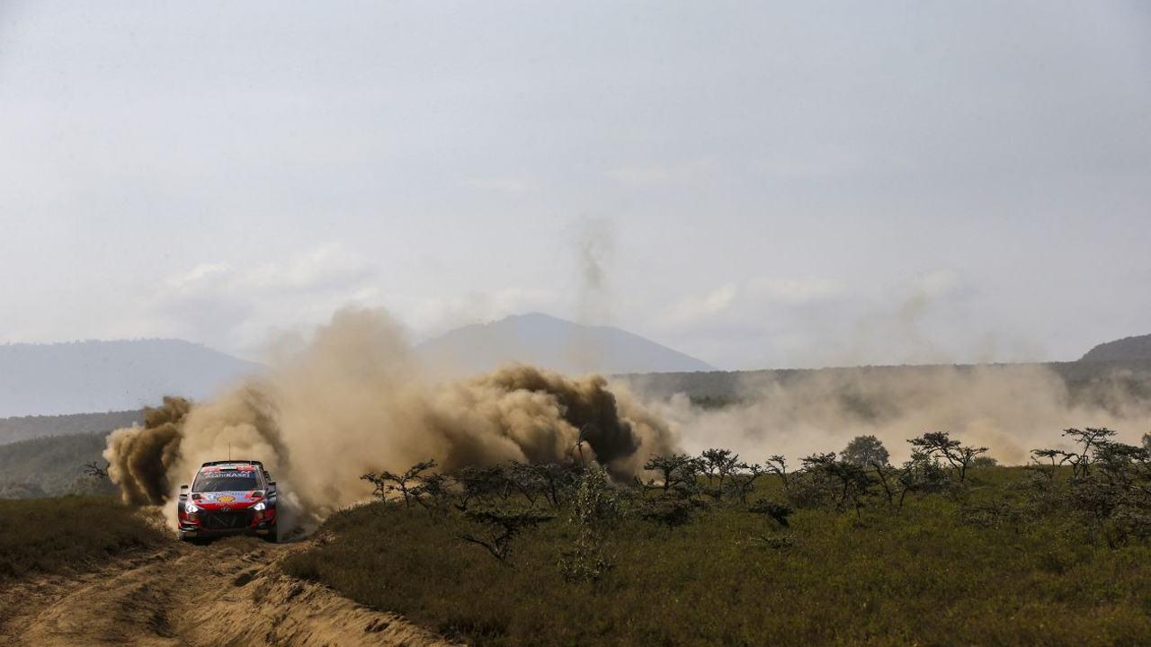 Thierry Neuville 'estira' su liderato del Safari Rally ante Takamoto Katsuta