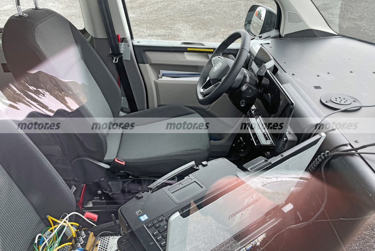 Foto espía mula Volkswagen ID. Buzz 2022 - interior