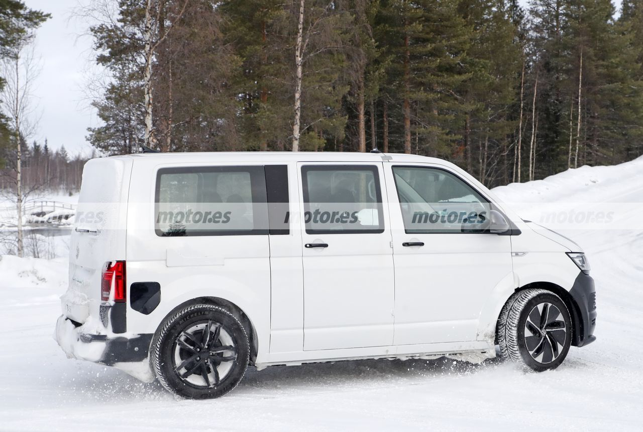 Foto espía mula Volkswagen ID. Buzz 2022 - exterior