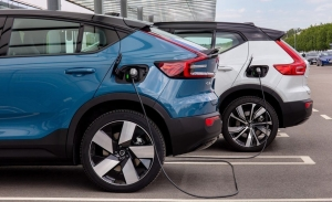 Aurobay, nueva joint venture de Volvo y Geely que fabricará motores