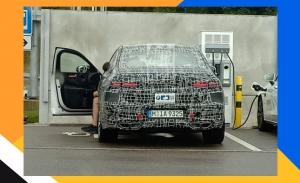 Un prototipo del BMW Serie 7 2023 muestra sus nuevas luces traseras