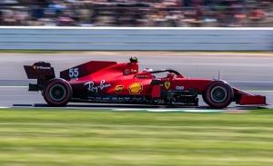 Russell, sancionado; Sainz recibe un warning, pero saldrá dentro del 'Top 10'