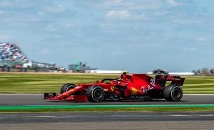 Un pit stop de 12 segundos acaba con la carrera de Sainz: «Hay días que no toca»