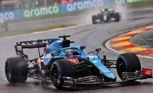 Alonso no entiende nada: «Me parece extraño que se den puntos, no fue una carrera»
