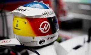 El casco de Mick Schumacher que retrocede 30 años y te hará suspirar