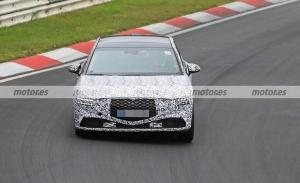 El nuevo Genesis G90 2022 pierde camuflaje en su primer paso por Nürburgring