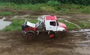 Hino se apunta a la electrificación y tendrá un camión híbrido en el Dakar 2022