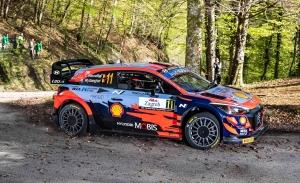 Hyundai Motorsport se la juega a todo o nada en el Ypres Rally