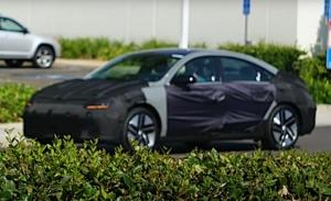 El nuevo Hyundai IONIQ 6 2022, cazado en un vídeo espía en Estados Unidos