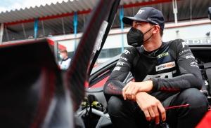 Kelvin Van der Linde estira su liderato del DTM en el circuito de Zolder