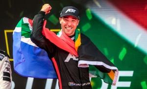 Kelvin Van der Linde, más líder del DTM tras Nürburgring, pese a su abandono