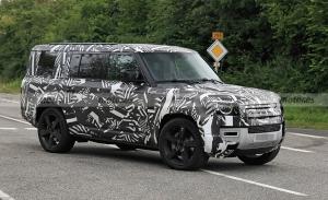 Land Rover Defender 130, primeras fotos espía de la variante alargada