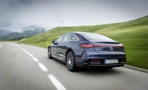 Mercedes amplía las advertencias de peligros de tráfico entre sus modelos