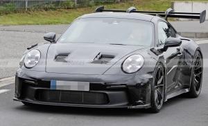 El Porsche 911 GT3 RS 2022 pierde camuflaje y afloran nuevos detalles de diseño