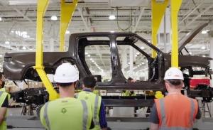 Rivian negocia construir su primera fábrica europea en el Reino Unido