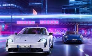 El Porsche Taycan estrena un nuevo Aerokit de carbono de TechArt