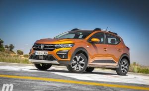 España - Julio 2021: El Dacia Sandero recupera su corona