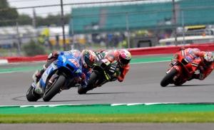 Ducati está «unos cinco pasos por delante» de Suzuki, según Álex Rins