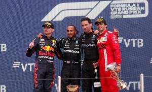 Un espectacular Sainz consigue su quinto podio en Sochi: «Una carrera increíble»