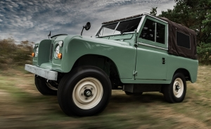 Everrati transforma el icónico Land Rover Series IIA en un 4x4 eléctrico
