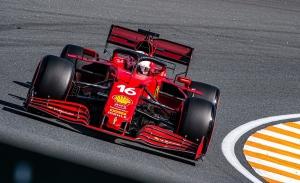 Ferrari toma la delantera en Zandvoort, con Verstappen tapado y Hamilton averiado