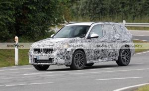 Los prototipos del BMW X1 2023 vuelan en Nürburgring en nuevas fotos espía