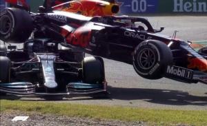 Hamilton vs. Verstappen: el vídeo de un duelo que en otros tiempos pudo ser trágico