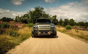 Heritage Customs Valiance Verdigris, un Land Rover Defender más elegante