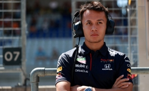 Horner confirma el interés de Williams y Alfa Romeo en Albon