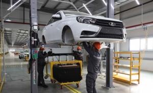 Lada inicia el ensamblaje de coches en Uzbekistán