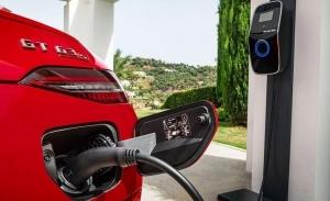 Mercedes anuncia que no desarrollará nuevos híbridos enchufables en el futuro